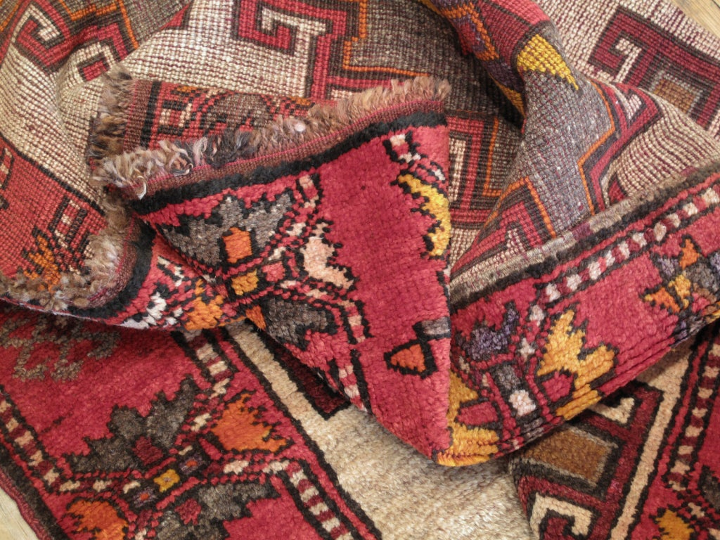 Kurdish Long Rug In Excellent Condition For Sale In New York, NY