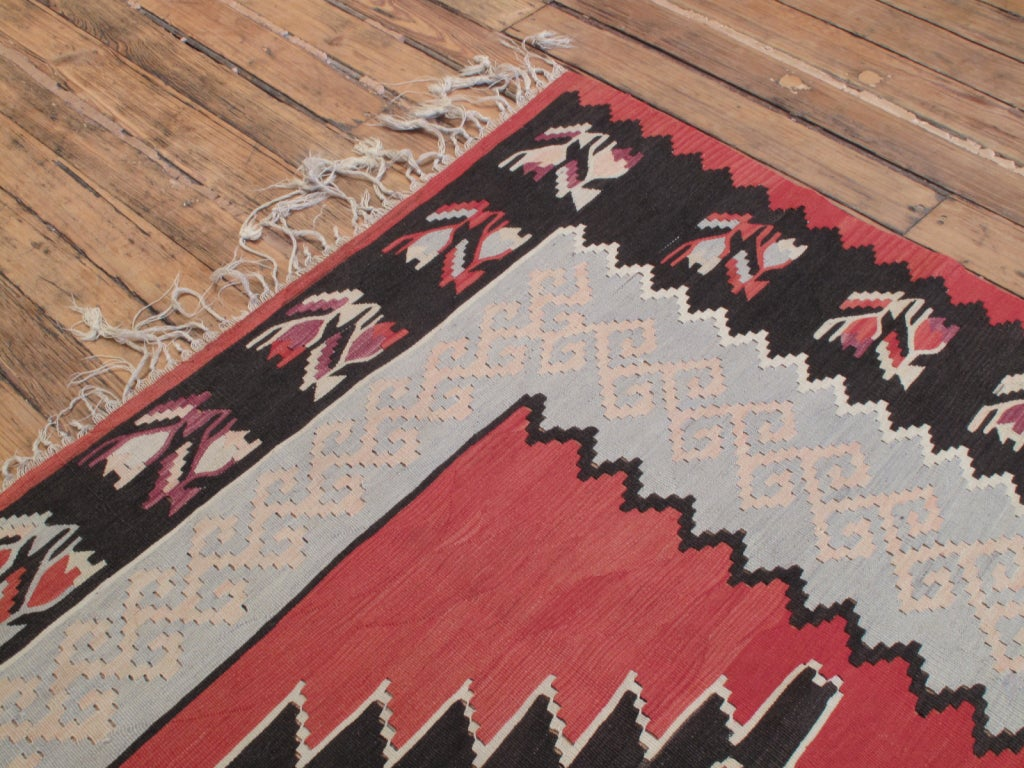 Balkan Kilim Rug In Good Condition For Sale In New York, NY