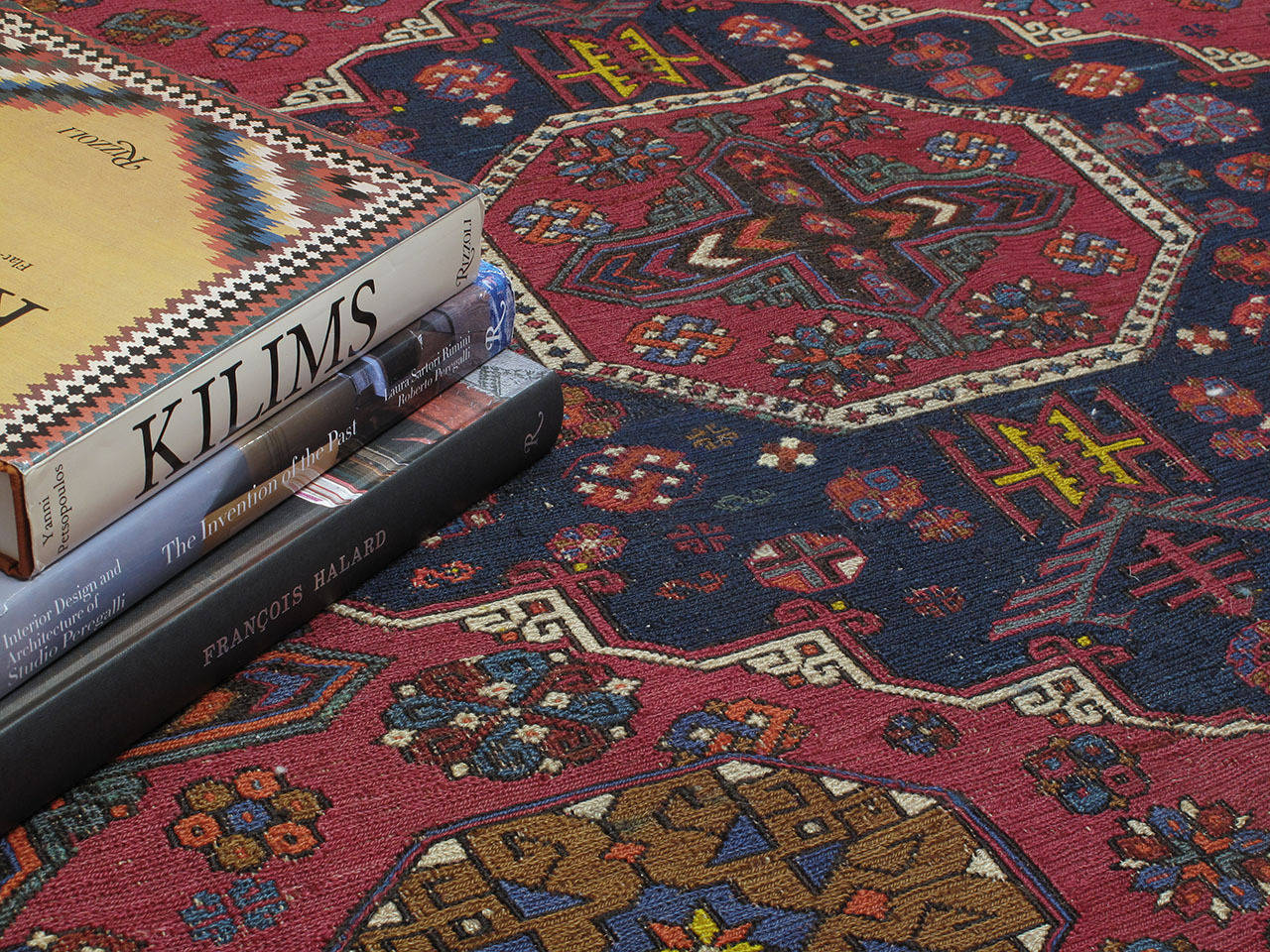 Sumak Carpet In Good Condition For Sale In New York, NY