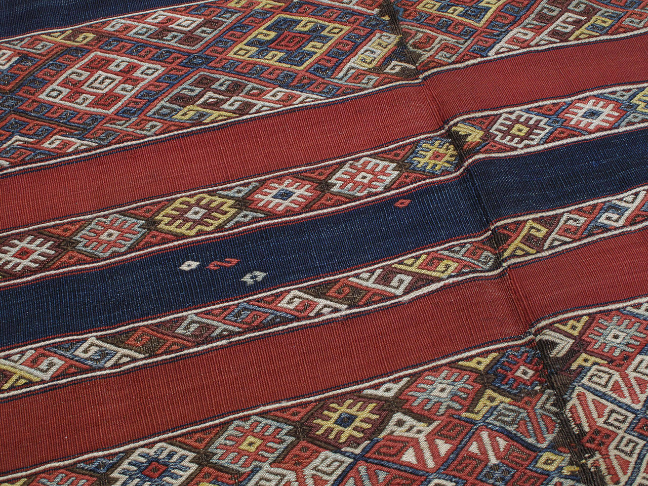 Antique Malatya Kilim Rug In Good Condition For Sale In New York, NY