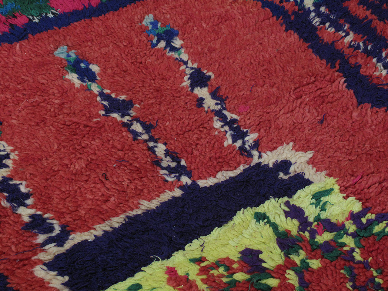 Azilal Moroccan Berber Rug, Saddle Cover In Excellent Condition For Sale In New York, NY