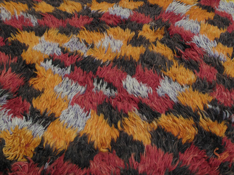 Three-Diamond Tulu Rug In Good Condition For Sale In New York, NY