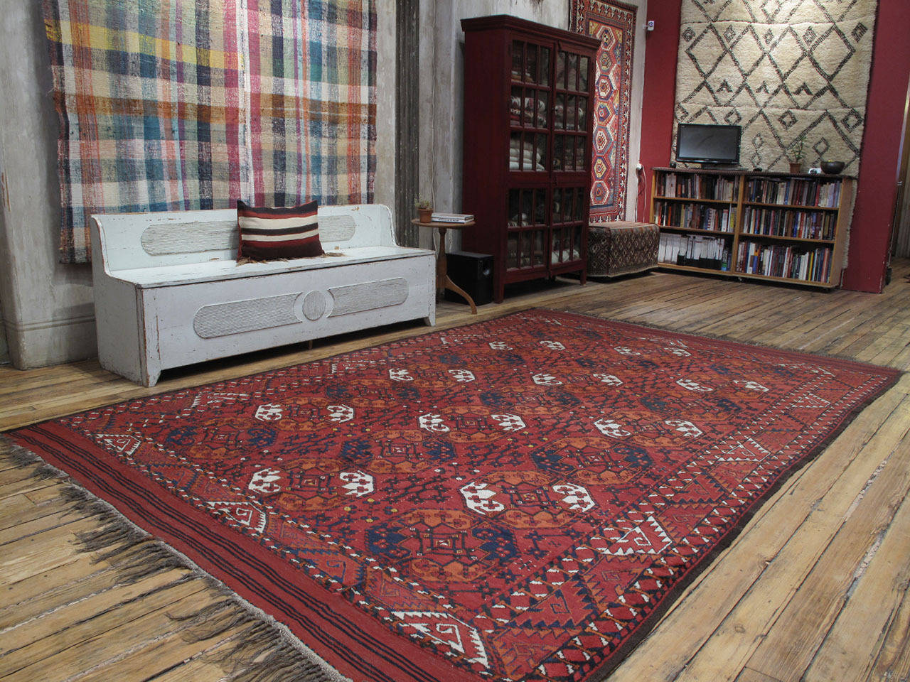 Antique Turkmen Main carpet or rug. A large antique carpet or rug of collectible quality, woven by the Ersari Turkmen tribes in Central Asia, featuring the classical design of this group. Larger than usual, with brilliant natural dyes, this carpet