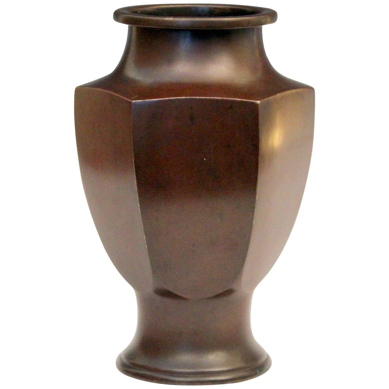 Vintage japanese art deco patinated and faceted bronze vase at 1stdibs vintage japanese art deco patinated and faceted bronze vase for sale reviewsmspy