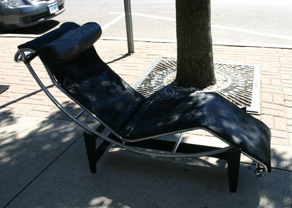 Vintage le corbusier black pony fur chaise lounge recliner at 1stdibs