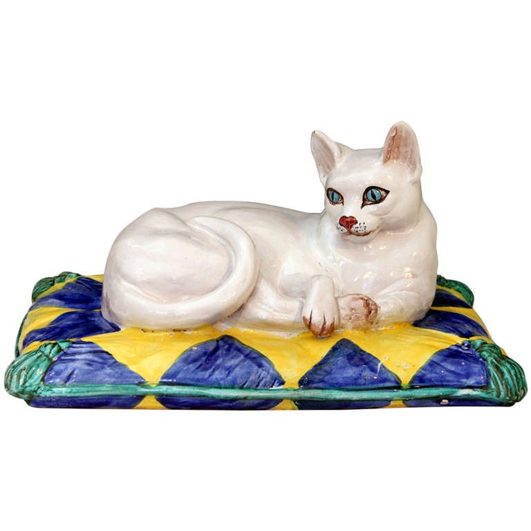 Vintage 1960s Italian Art Pottery Majolica Cat on Pillow For Sale