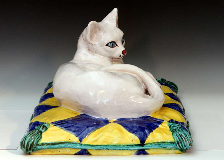 Pressed Vintage 1960s Italian Art Pottery Majolica Cat on Pillow For Sale