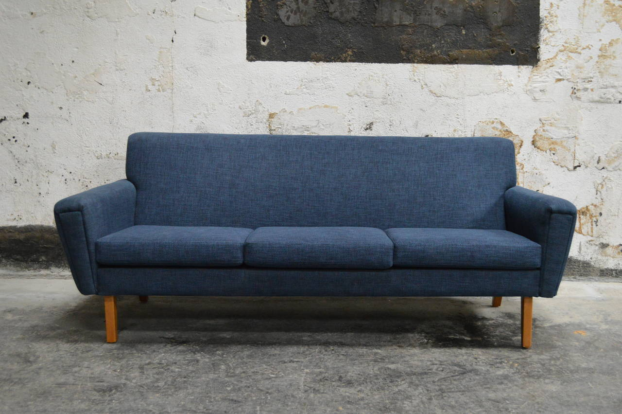 Beau Impeccably Restored Sofa Newly Upholstered In New Woven Blue Fabric On  Aerodynamic Teak Legs. Very