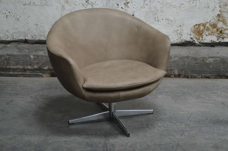 Fantastic Vintage Swedish Mid Century Leather Swivel Arm Chair Short Links Chair Design For Home Short Linksinfo