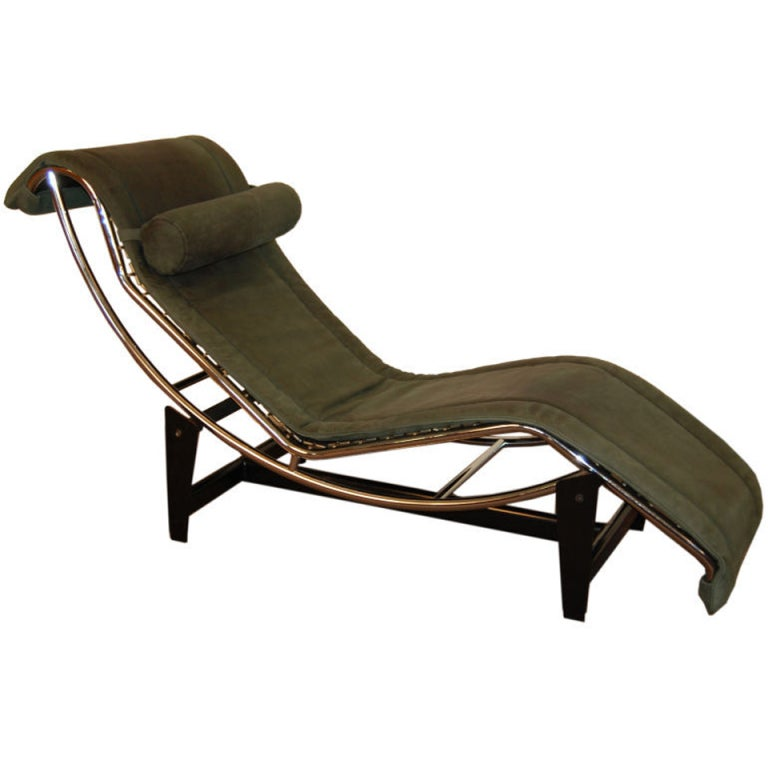 Le corbusier lc4 green leather chaise longue at 1stdibs for Chaise longue lecorbusier