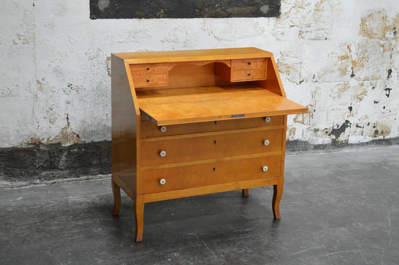 swedish art moderne golden flame birch drop leaf. Black Bedroom Furniture Sets. Home Design Ideas