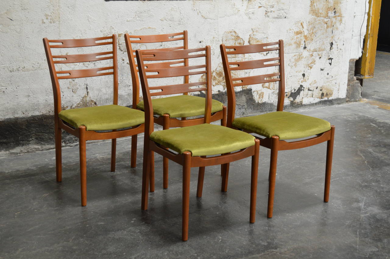 Set Of Four Swedish Mid Century Modern Teak Dining Chairs At 1stdibs