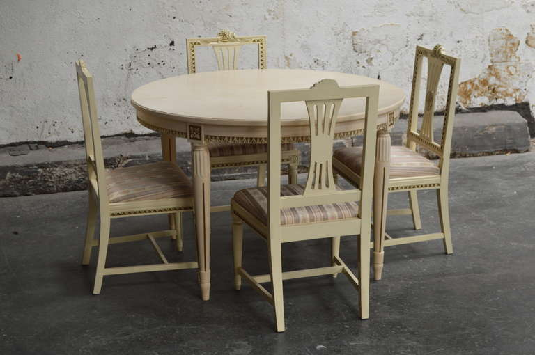 this gustavian style dining table and four chairs is no longer