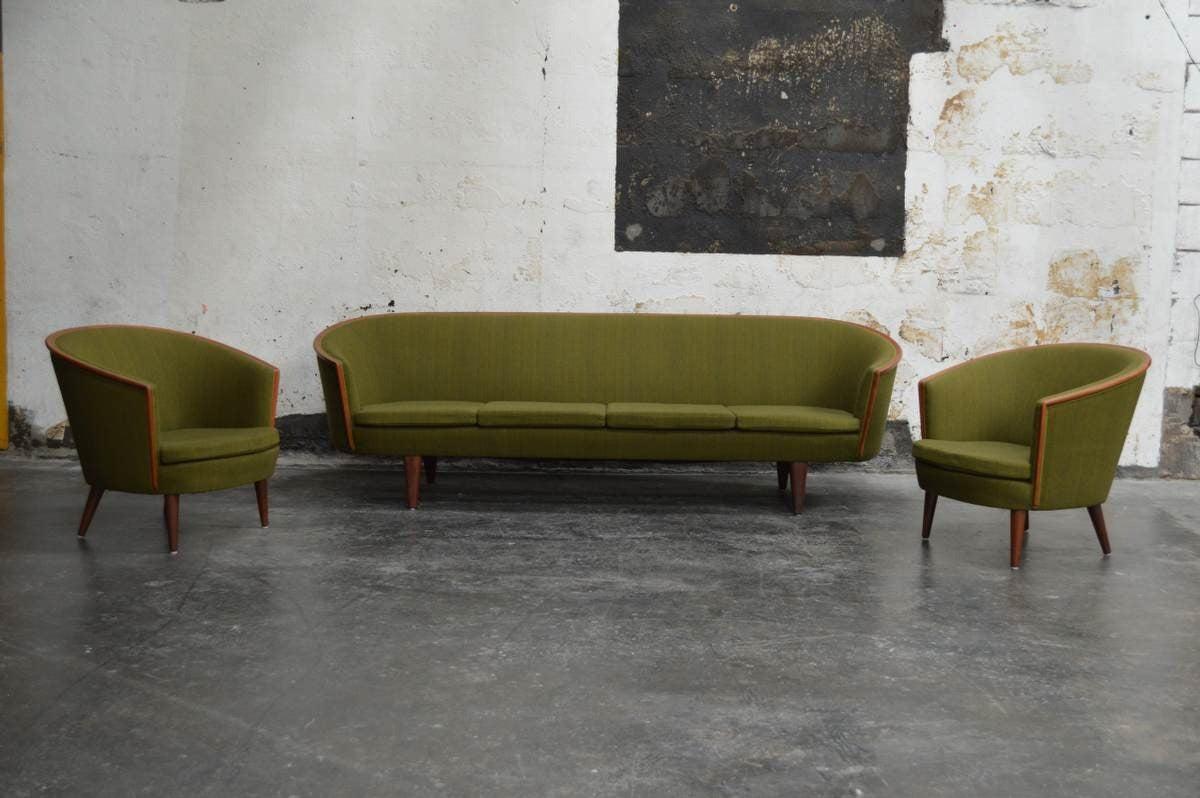 Exquisite Rare Mid-Century Barrel Back Sofa For Sale 3