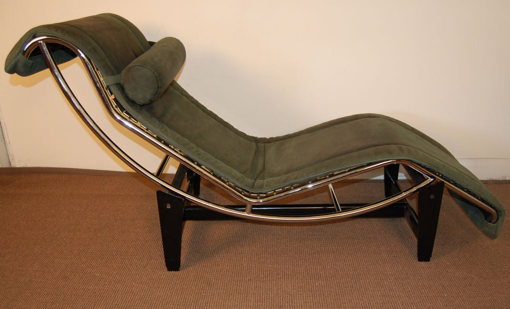 Sale le corbusier lc4 green leather chaise longue at 1stdibs for Chaise le corbusier lc4