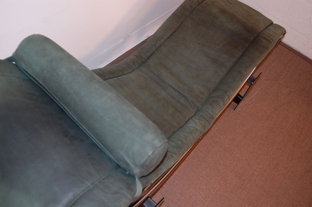 Sale le corbusier lc4 green leather chaise longue at 1stdibs for Chaise longue de le corbusier