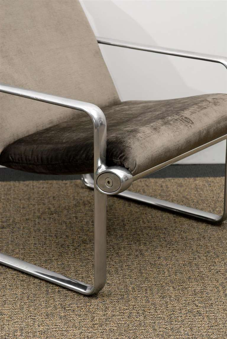 Late 20th Century Rare Pair of Aluminum Lounge Chairs by Hannah/Morrison for Knoll For Sale