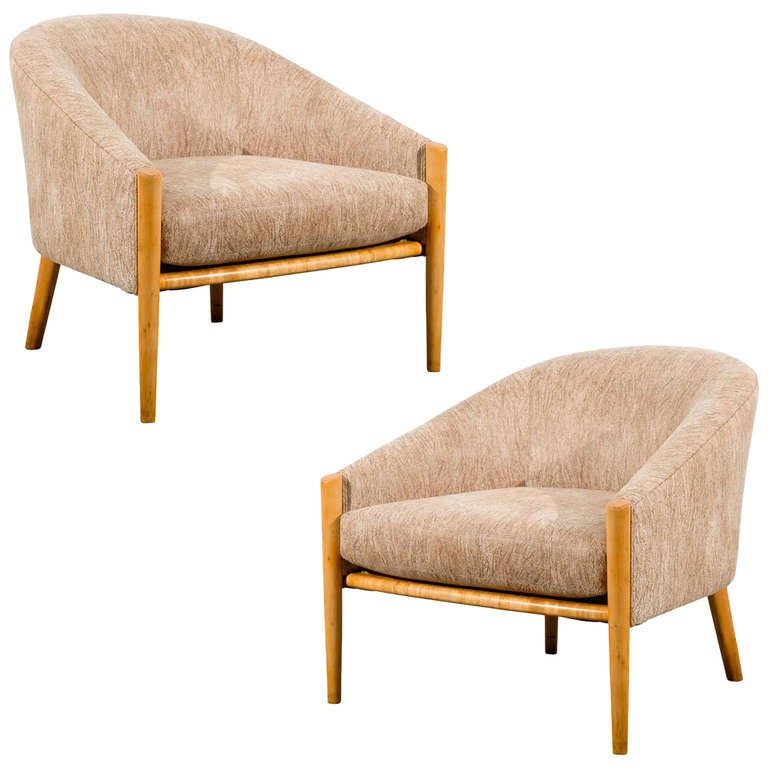 Outstanding Pair of Ward Bennett Style Lounge Chairs in Maple