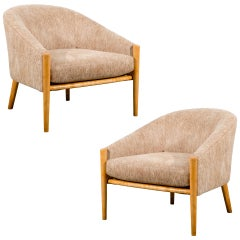 Outstanding Pair of Ward Bennett Style Lounge Chairs in Maple, circa 1975