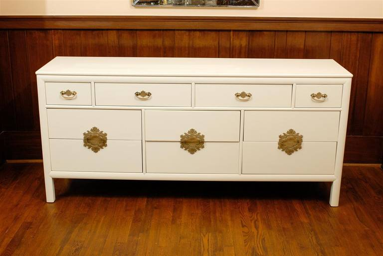 American Gorgeous Restored Ten-Drawer Chest by Ray Sabota for Century Furniture  For Sale
