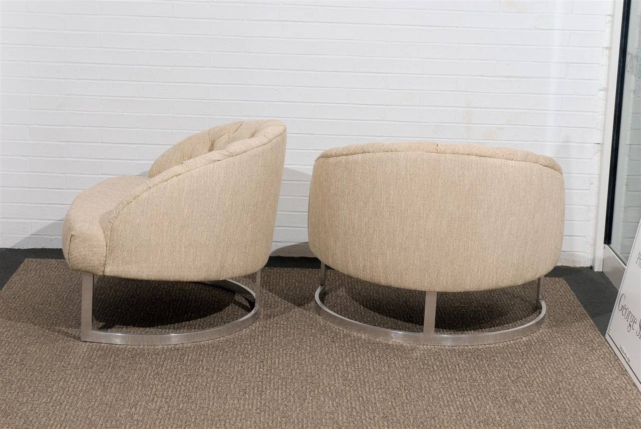 Pair of Overscale Tufted Lounge Chairs in the Style of Harvey Probber For Sale 3