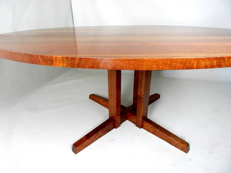 Walnut Cluster Base Table by George Nakashima In Excellent Condition For Sale In Sea Cliff, NY