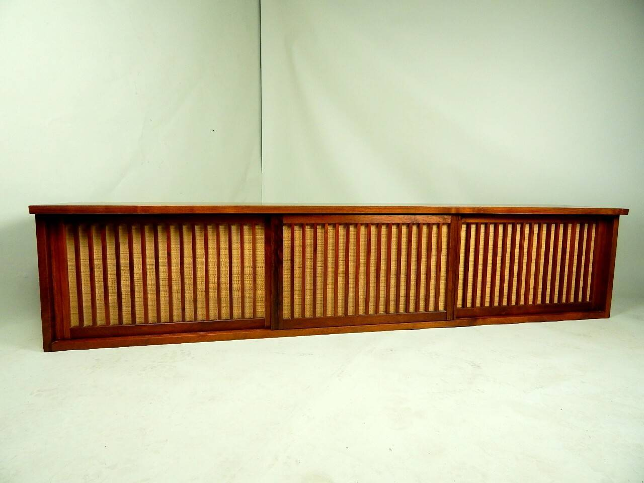 20th Century Walnut Wall Cabinet by George Nakashima In Excellent Condition For Sale In Sea Cliff, NY