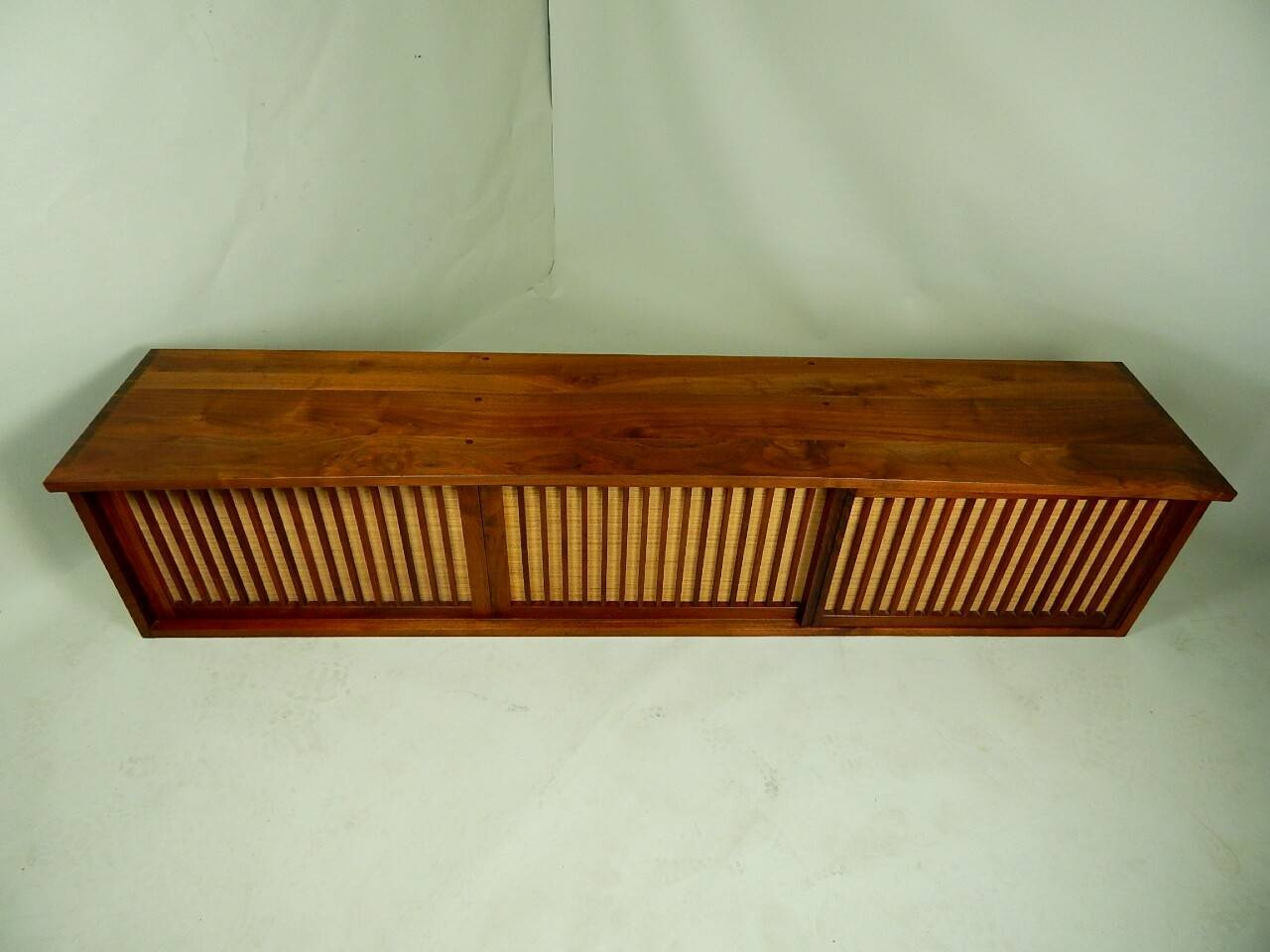 20th Century Walnut Wall Cabinet by George Nakashima For Sale 4
