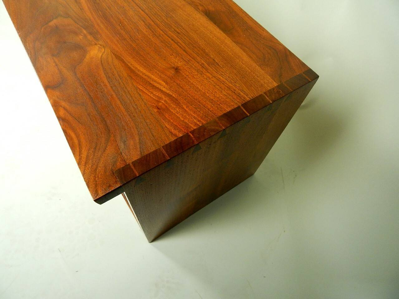 20th Century Walnut Wall Cabinet by George Nakashima For Sale 5
