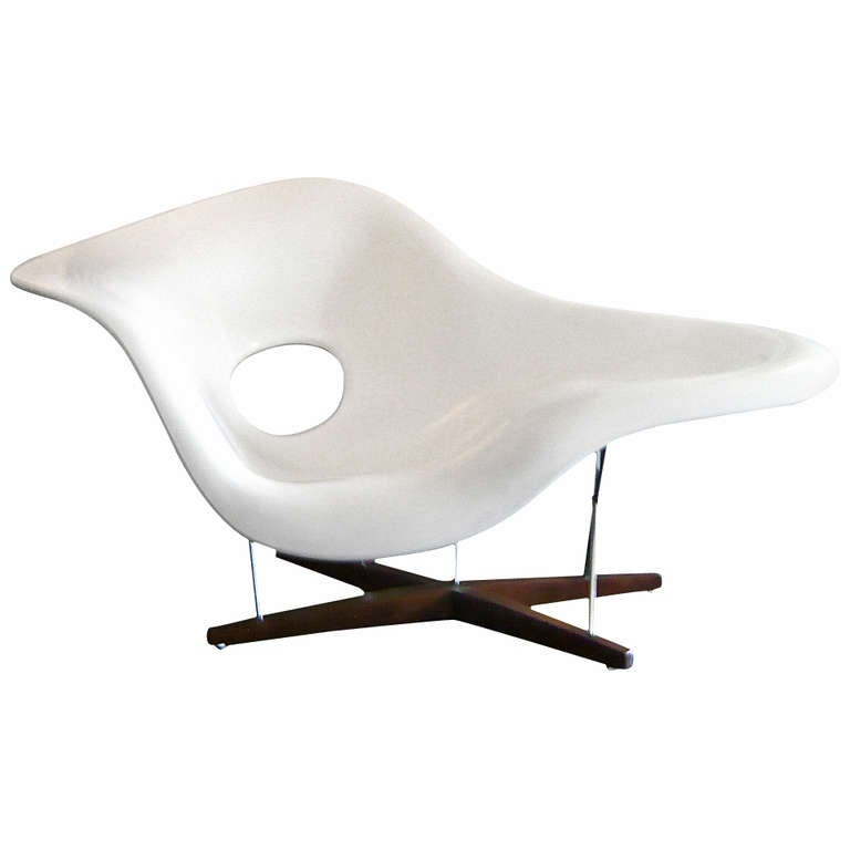 Vintage charles eames la chaise at 1stdibs for Chaises ray et charles eames
