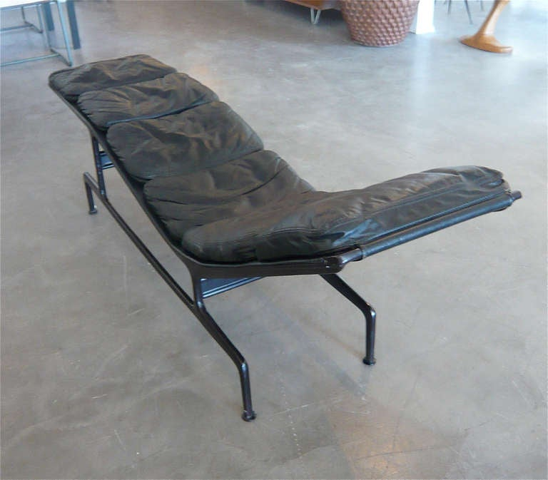 Billy Wilder Chaise By Charles Eames At 1stdibs