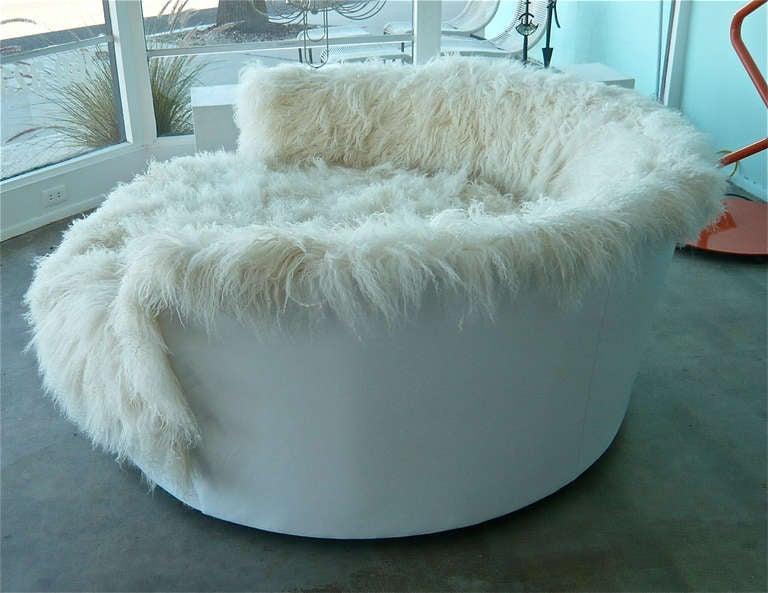 Tibetan Longhaired Sheepskin Round Loveseat 4