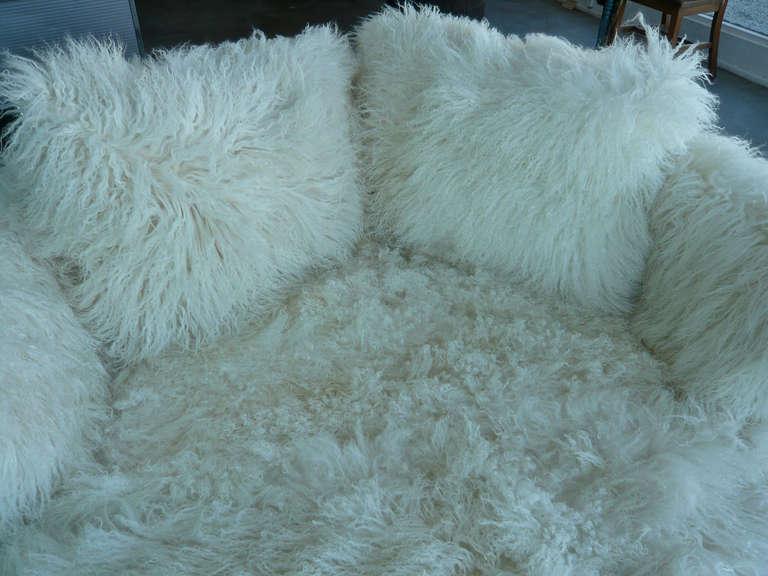 Tibetan Longhaired Sheepskin Round Loveseat 7