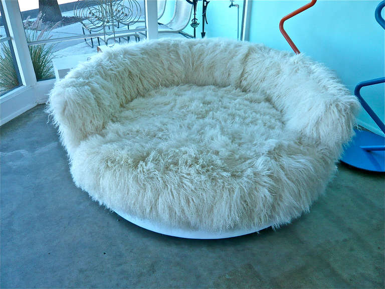 Tibetan Longhaired Sheepskin Round Loveseat 8