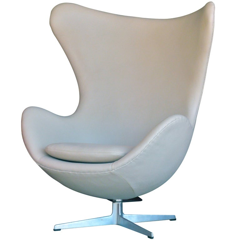 arne jacobsen leather egg chair at 1stdibs. Black Bedroom Furniture Sets. Home Design Ideas
