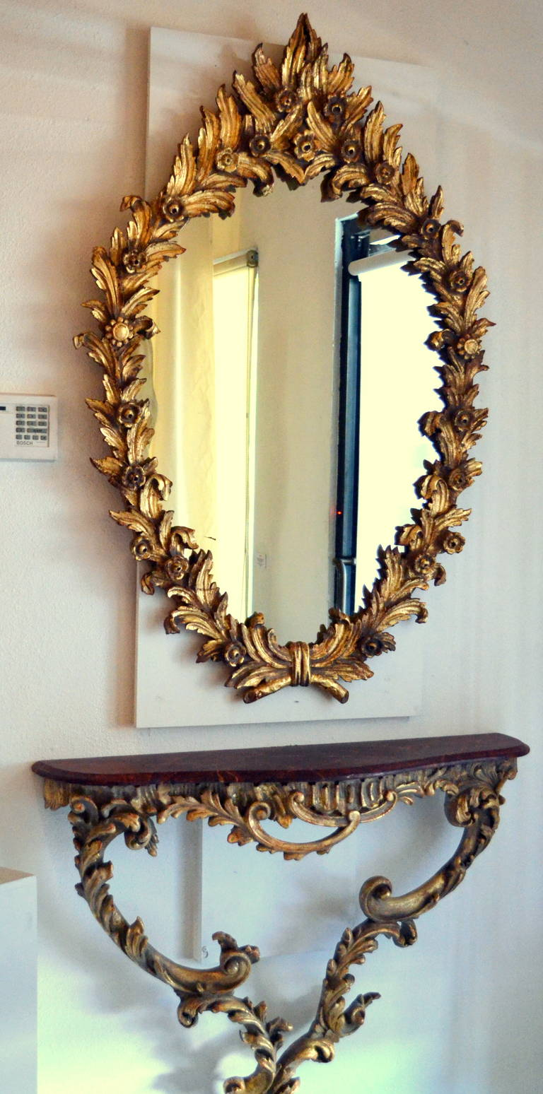 19th Century Or Earlier Highly Carved Giltwood Mirror With Finely Shaped Leafs That Create An Entire