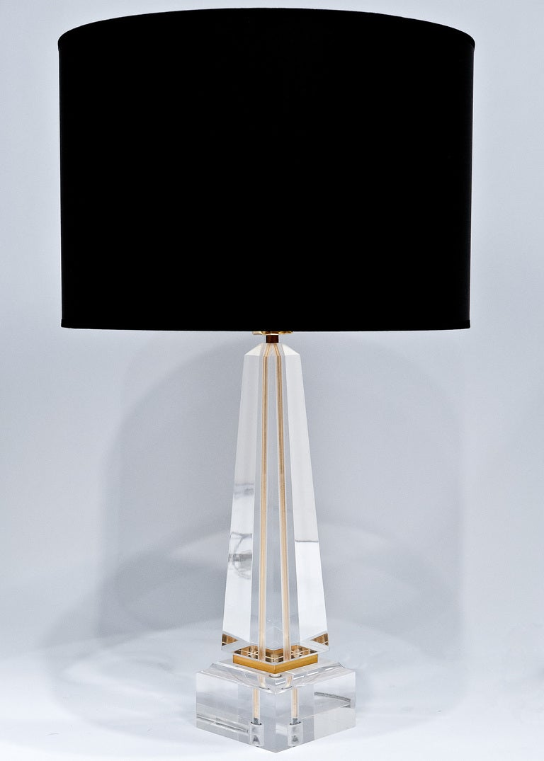 Vintage lucite and brass table lamp at 1stdibs vintage lucite brass table lamp 3 geotapseo Images
