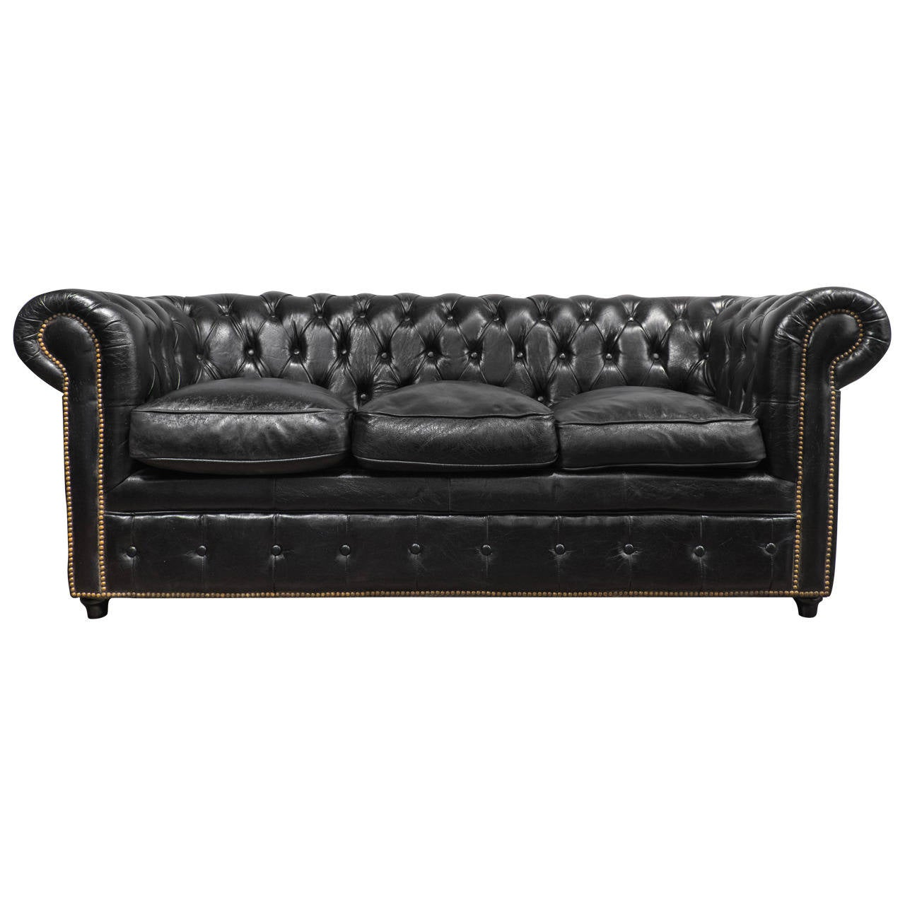 Vintage black leather chesterfield sofa at 1stdibs for Decor jewelry chesterfield