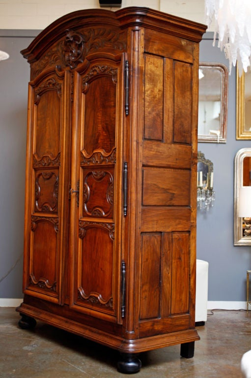 spectacular louis xiv lyonnaise walnut armoire at 1stdibs. Black Bedroom Furniture Sets. Home Design Ideas