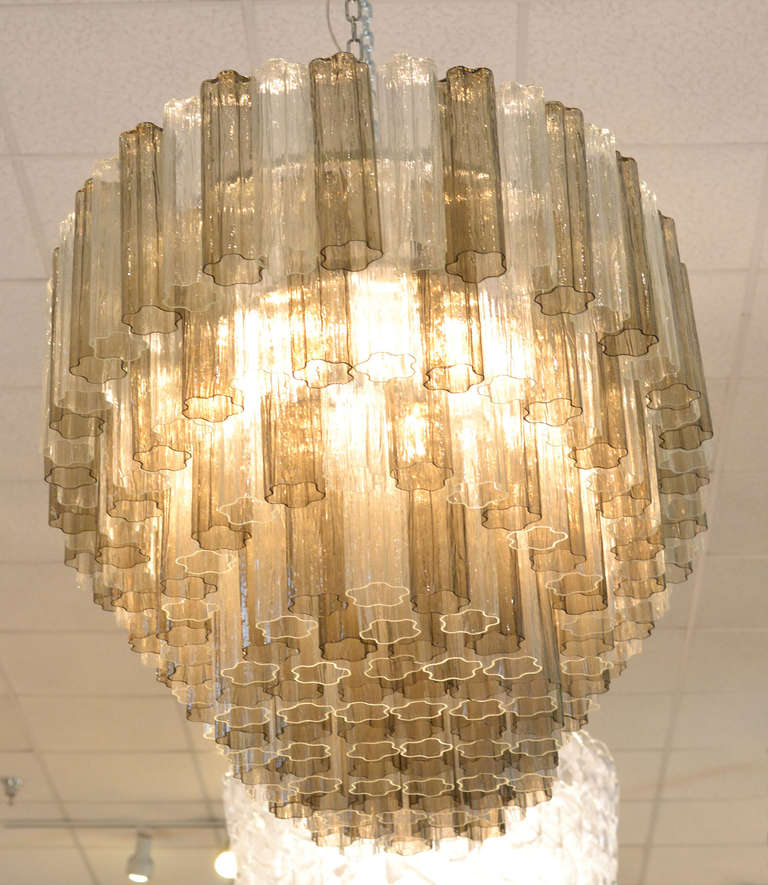Mid-Century Modern Style Murano Glass Chandelier In Excellent Condition For Sale In Austin, TX