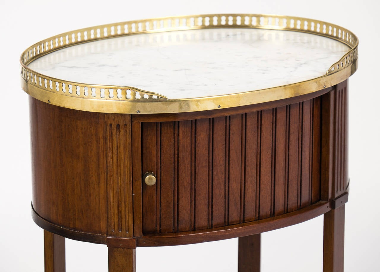 Louis XVI Marble-Top Mahogany Side Table For Sale 1