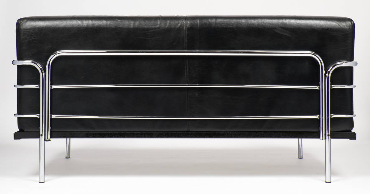Vintage Le Corbusier Style Leather And Chrome Sofa At 1stdibs
