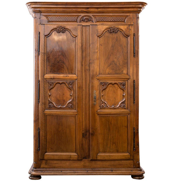 louis xiv period solid walnut armoire at 1stdibs. Black Bedroom Furniture Sets. Home Design Ideas