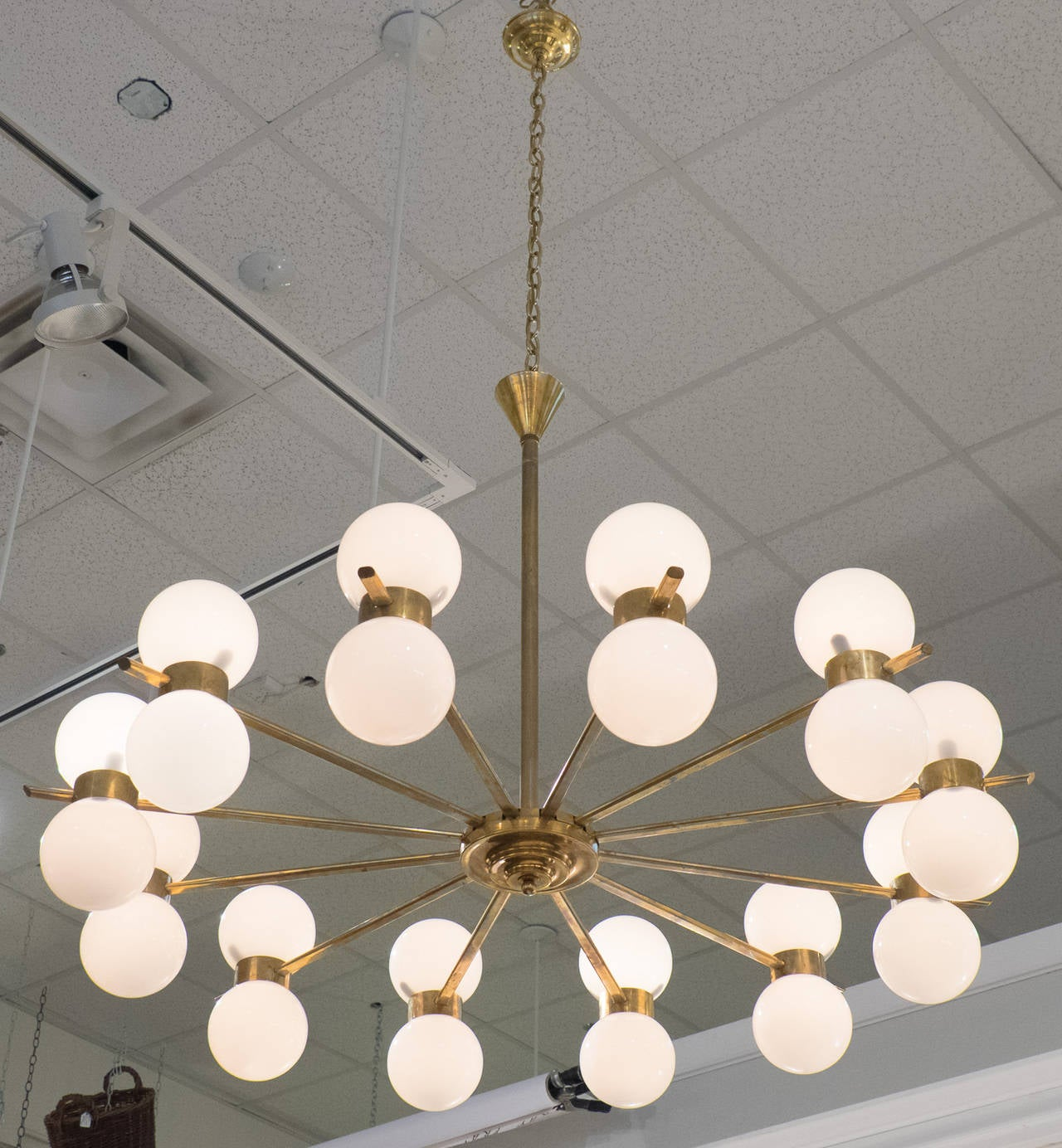 Vintage Twelve-Arm Chandelier in the Style of Stilnovo In Excellent Condition For Sale In Austin, TX