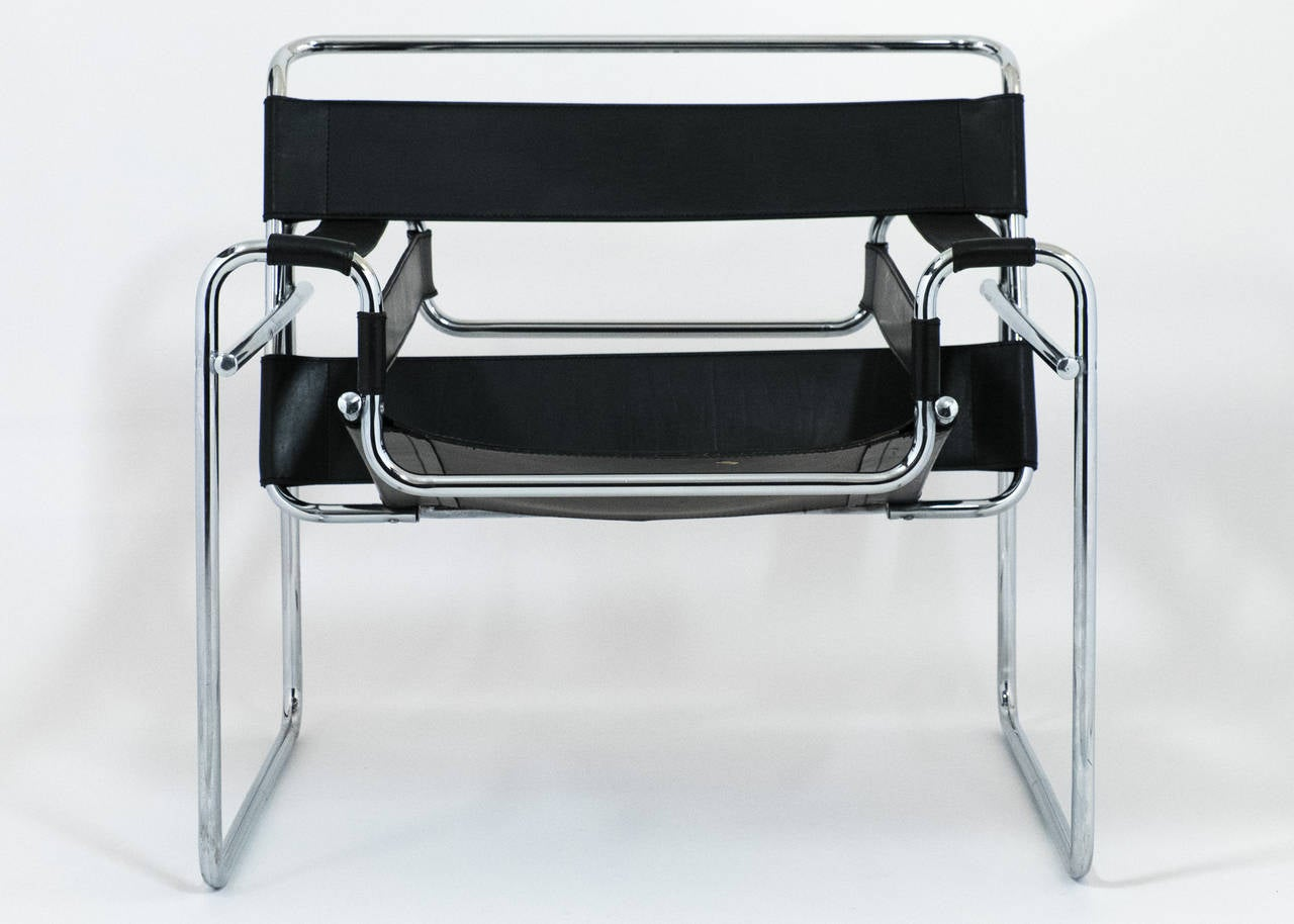 Vintage Pair of Leather and Chrome Wassily Chairs In Good Condition In Austin, TX