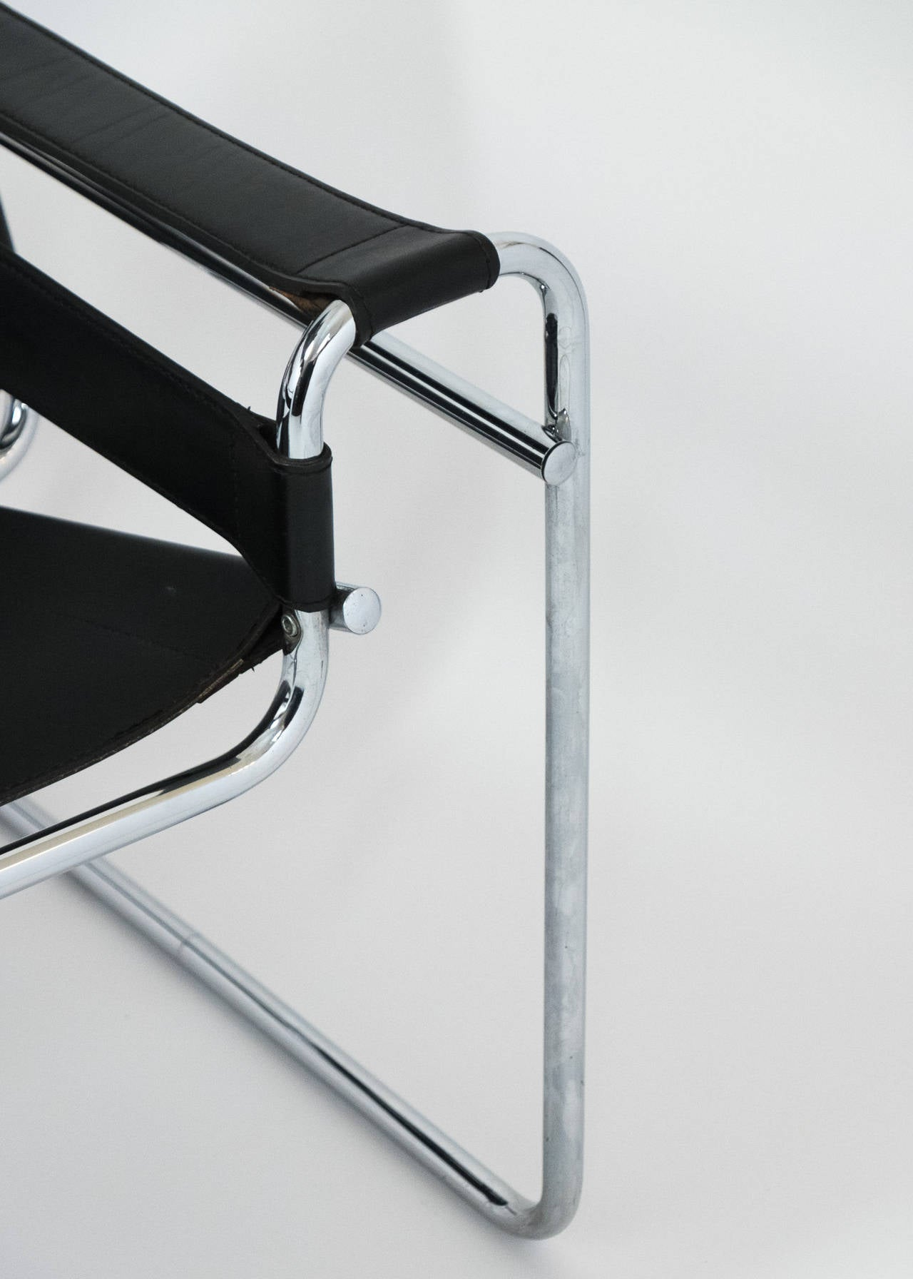 Vintage Pair of Leather and Chrome Wassily Chairs 5