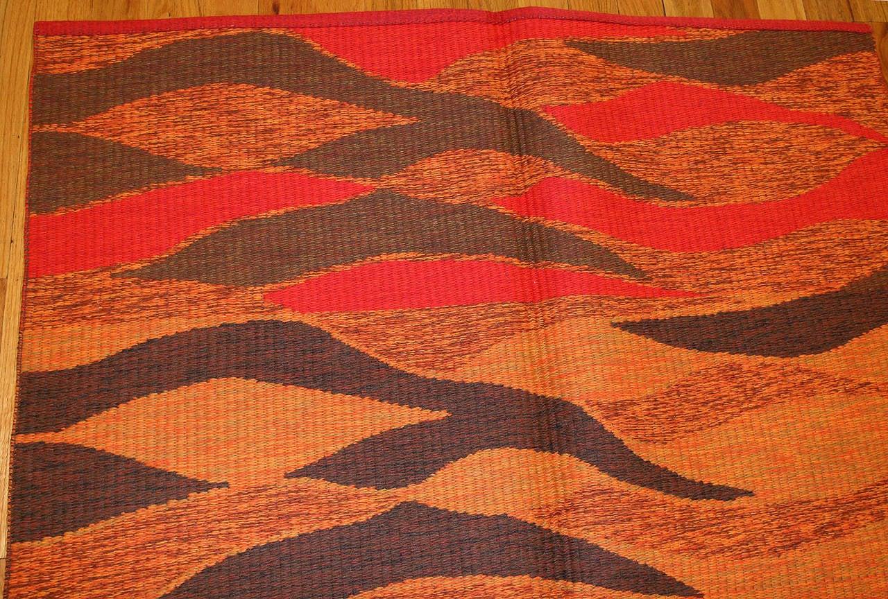 Vintage Double-Sided Swedish Kilim Carpet. Size: 5 ft x 6 ft (1.52 m x 1.83 m) For Sale 1