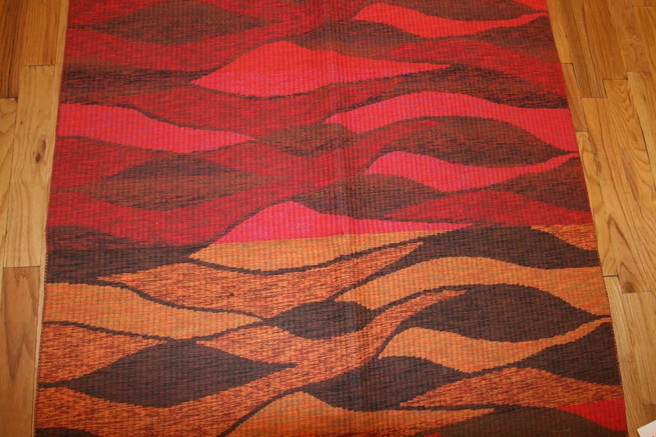 Vintage Double-Sided Swedish Kilim Carpet. Size: 5 ft x 6 ft (1.52 m x 1.83 m) For Sale 2