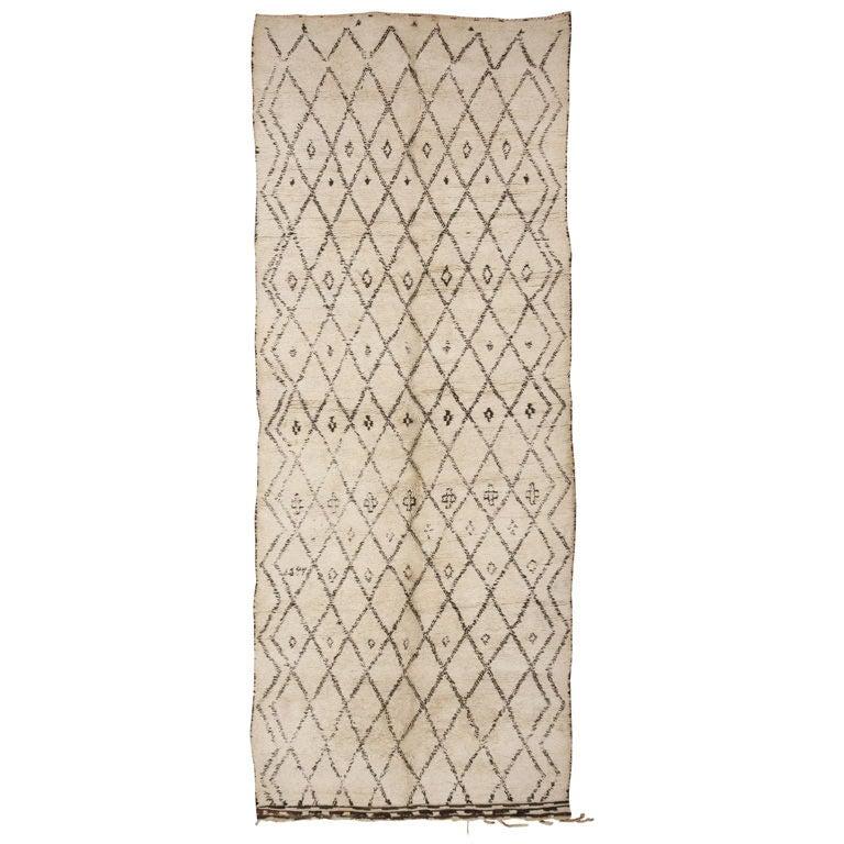 Vintage Moroccan Area Rug For Sale At 1stdibs: Gorgeous Vintage Moroccan Rug For Sale At 1stdibs