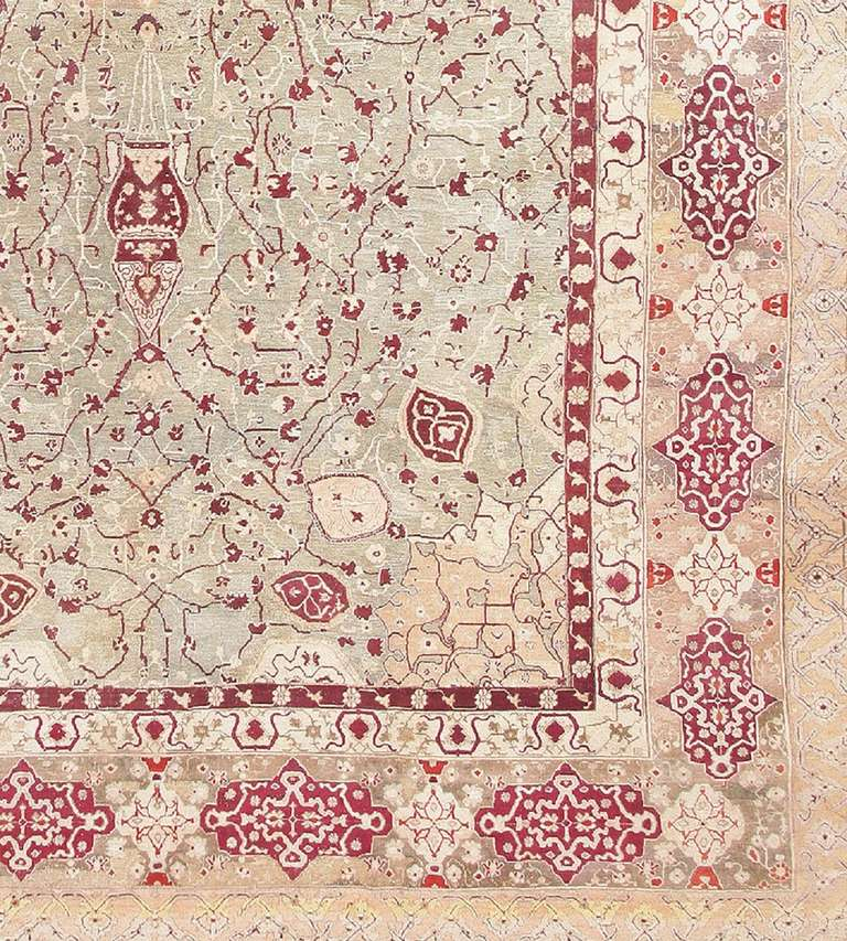 Antique Agra Carpet India. Size: 10 ft x 19 ft 4 in (3.05 m x 5.89 m) In Excellent Condition For Sale In New York, NY